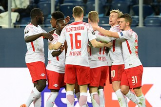 Игроки «РБ Лейпциг» радуются забитому мячу в ворота «Зенита»
