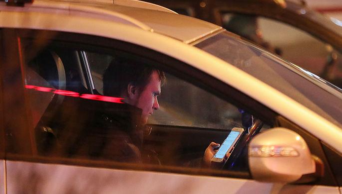 10 фото: камера распознает мобильный в руке водителя