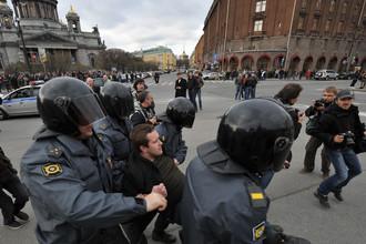 В Санкт-Петербурге протестный лагерь разбит на Исаакиевской площади