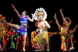 Сцена из мюзикла «Король-лев»
