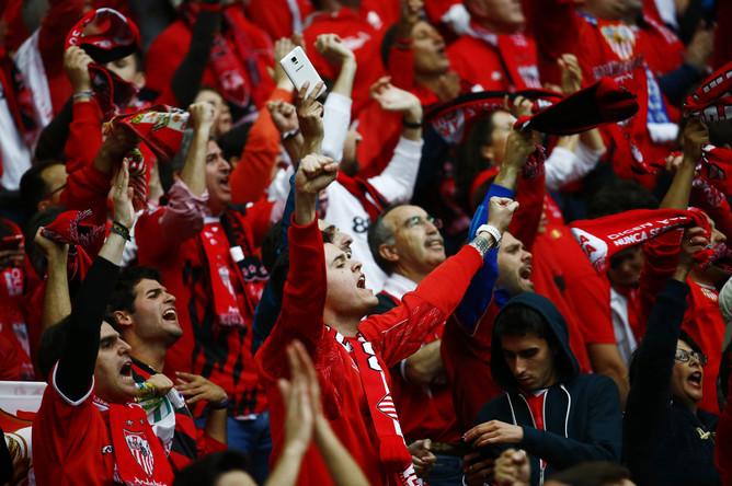 Церемония открытия финала Лиги Европы «Днепр» — «Севилья» на Национальном стадионе в Варшаве