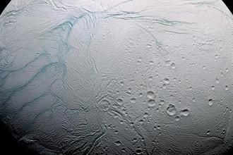 Приливы и вода: раскрыта тайна шрамов Энцелада