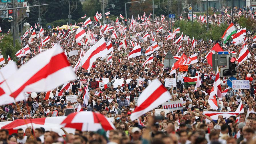 Участники акции протеста в Минске, 6 сентября 2020 года