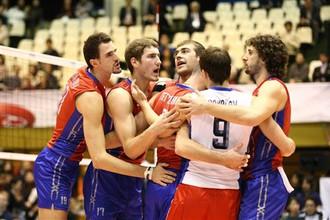 Российские волейболисты проиграли бразильцам