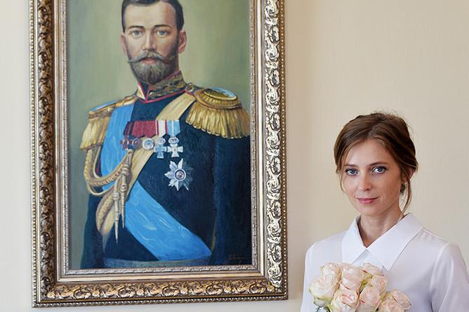 Прокурор Республики Крым Наталья Поклонская в своем рабочем кабинете, 2016 год