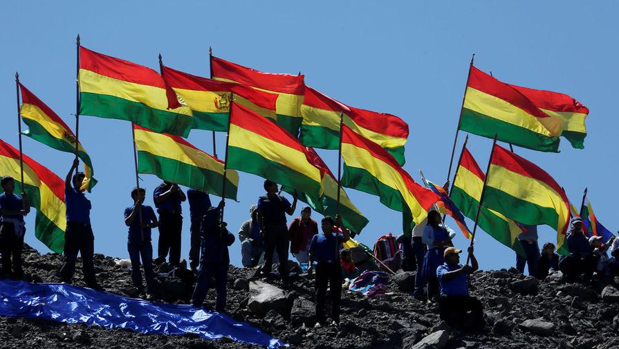 Верховную власть в Боливии получит вторая вице-спикер сената Аньес