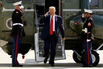 Президент США Дональд Трамп в аэропорту Нью-Йорка после участия в заседании ГА ООН, 26 сентября 2019 года