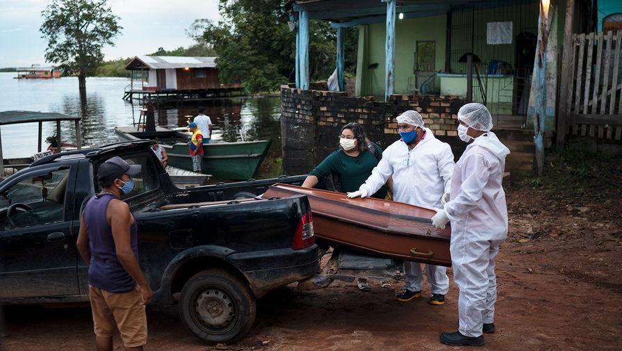 Глава ВОЗ заявил об ускорении темпов пандемии коронавируса в мире