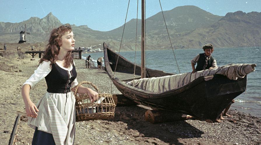 Анастасия Вертинская в роли Ассоль в фильме «Алые паруса», 1960 год
