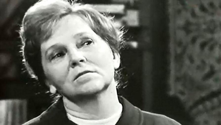 Галина Новожилова в кадре из фильма «Такая короткая долгая жизнь» (1975)