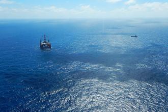 Точка бурения поисковой скважины расположена в Южно-Китайском море в 370 км от берега Вьетнама. Операция будет осуществлена с полупогружной платформы Hakuryu-5, законтрактованной «Роснефтью» у японской Japan Drilling Company.