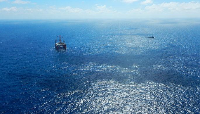 Точка бурения поисковой скважины расположена в Южно-Китайском море в 370 км от берега Вьетнама...