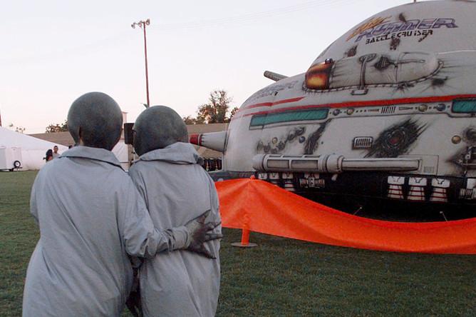 Пришельцы во время фестиваля в честь 50-летия «Розуэлльского инцидента», 1997 год