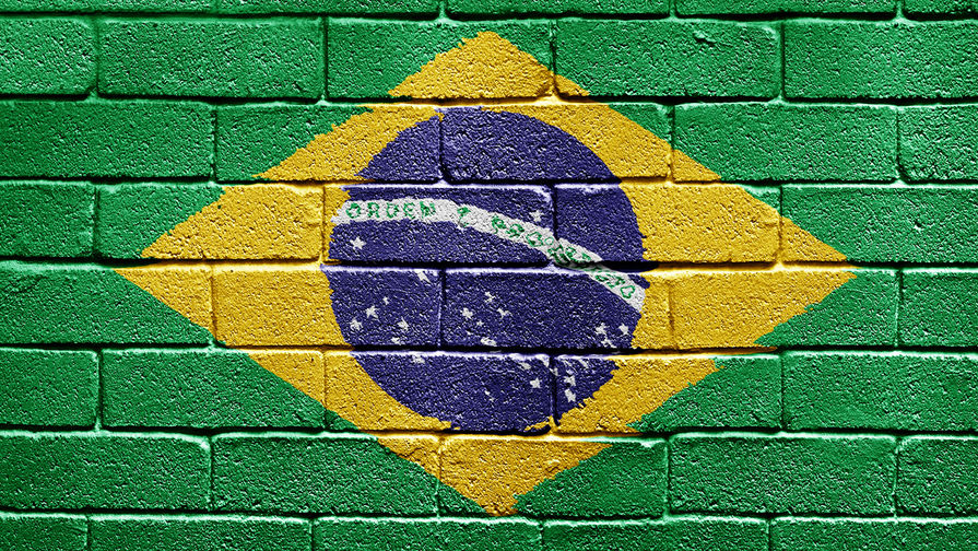Еще 20 тысяч случаев COVID-19 выявлено в Бразилии