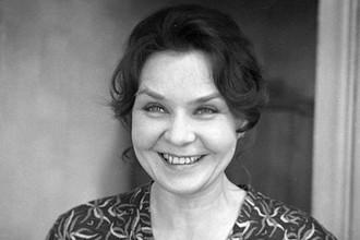 Нина Ургант в фильме «Белорусский вокзал», 1970 год