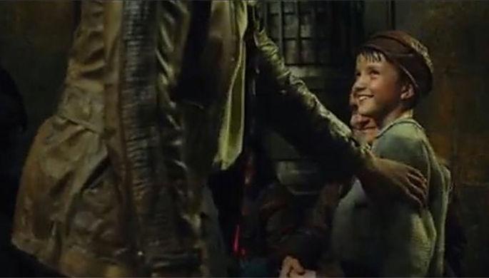 В новых «Звездных войнах» сыграл мальчик из российской семьи — тот, который с метлой