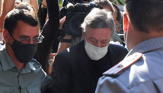 «Я не виноват»: свидетели по делу Ефремова дали показания
