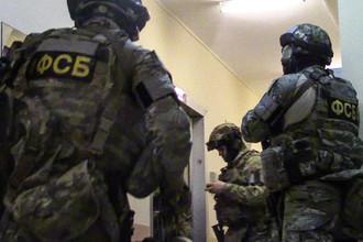 Сотрудники ФСБ РФ в ходе операции по задержанию
