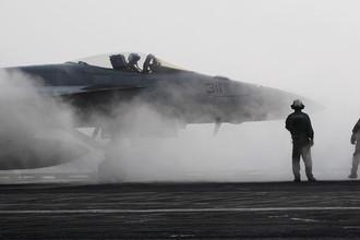 Самолет F/A-18F Super Hornet