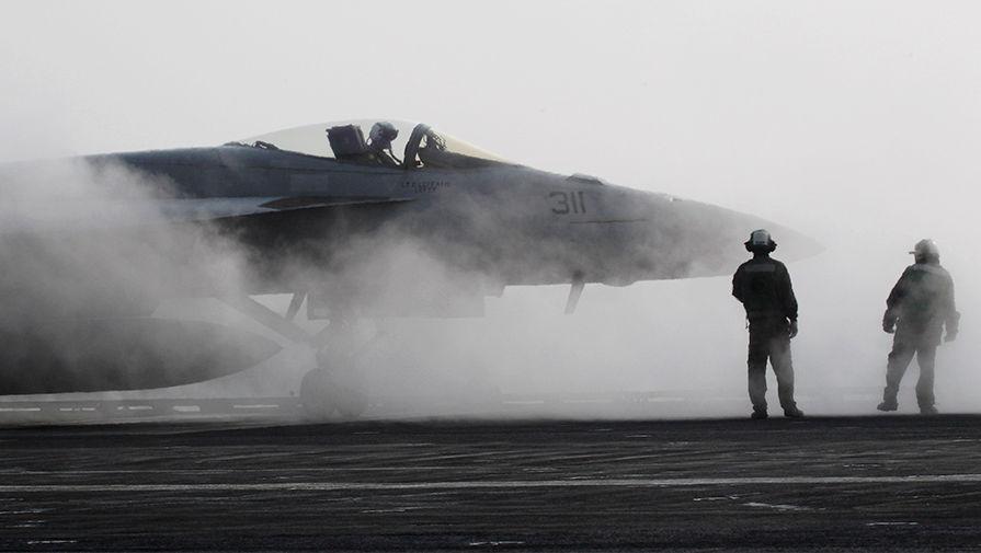 Две трети боевых самолетов ВМС США не могут летать
