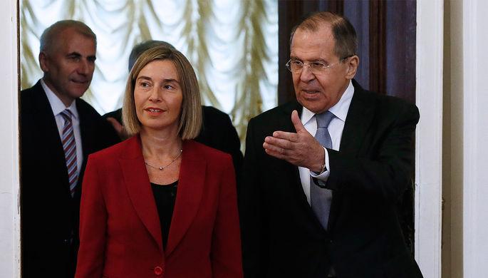 Верховный представитель Евросоюза по иностранным делам и политике безопасности Федерика Могерини и...