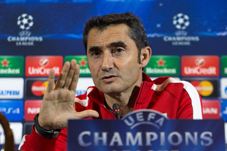 Эрнесто Вальверде теперь будет тренировать команду, участвующую в Лиге чемпионов по умолчанию
