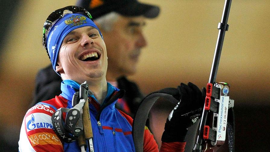Евгений Устюгов во время «Гонки чемпионов» по биатлону в спорткомплексе «Олимпийский», 2011 год