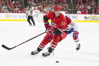 Андрей Свечников мощно начал свой второй сезон в НХЛ