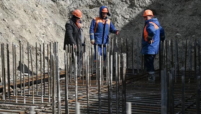 Мигрантов закодируют: власти сделают строительную отрасль прозрачнее