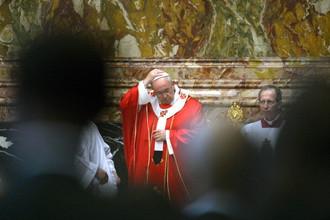 Папа римский решил узнать мнение католиков относительно абортов, геев и разводов