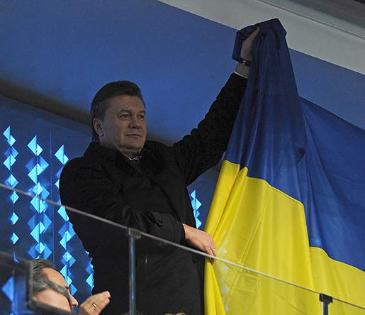 Президент Украины Виктор Янукович на трибуне стадиона «Фишт» во время церемонии открытия ХХII зимних Олимпийских игр в Сочи