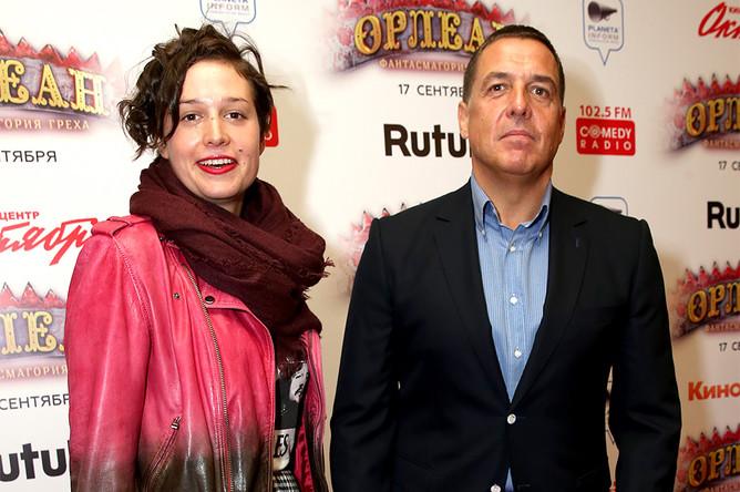 Журналист Александр Любимов на премьере фильма «Орлеан» в кинотеатре «Октябрь»