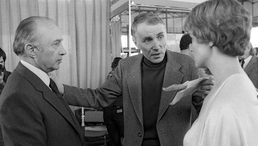 Режиссер-постановщик Александр Серый на съемках фильма «Берегите мужчин», 1982 год