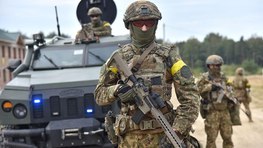 Военнослужащие Украины во время активной фазы совместных военных учений Украины и стран НАТО Rapid Trident-2020 на Яворовском полигоне во Львовской области, 2020 год