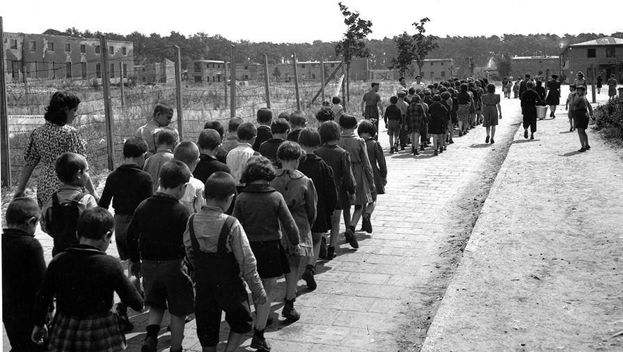 Сексуальные издевательства холокост