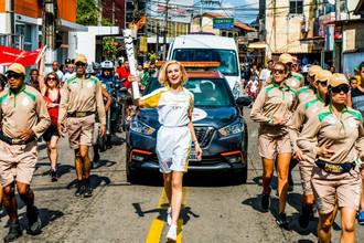2016 год. Полина Гагарина приняла участие в эстафете олимпийского огня в Рио-де-Жанейро