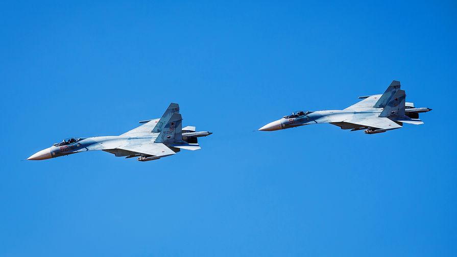 Истребитель Су-27 сопроводил бомбардировщик США над Балтикой