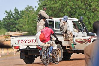 Мали попросило помощи международного сообщества после того, как исламистские боевики захватили стратегически важный город Кона