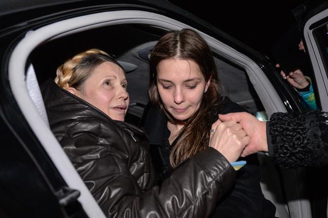 Юлия Тимошенко встретилась с дочерью в аэропорту Киева