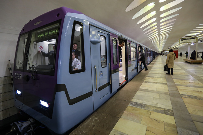 Во время презентации поезда серии 81-760А со сквозным проходом по всей длине состава в электродепо «Владыкино»