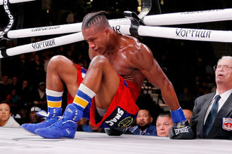 «Критическое состояние»: боксер впал в кому после нокаута