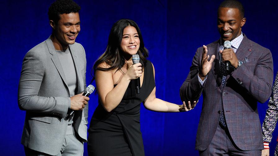 Исмаэль Круз, Джина Родригес и Энтони Маки во время CinemaCon в Лас-Вегасе, 23 апреля 2018 года