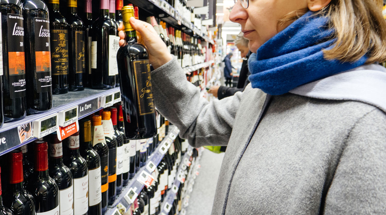 С чем связана проверка грузинского вина, пояснили в Кремле