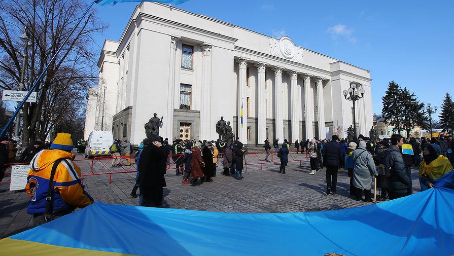 Депутат Рады назвал блокировку телеканалов фашизмом в «зеленом» виде