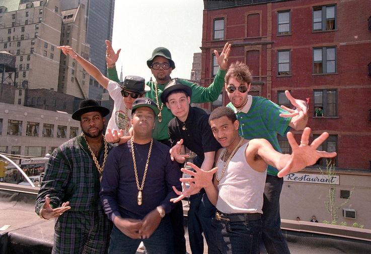 Участники Beastie Boys и Run-D.M.C. во время пресс-конференции на Манхэттене по случаю совместного концертного тура, 1987 год