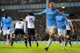 Эдин Джеко помог «Манчестер Сити» разгромить «Тоттенхэм» в 23-м туре премьер-лиги, заработав пенальти и забив мяч