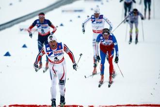 Норвежец Петтер Нортуг на финише вырывает победу в мужском масс-старте
