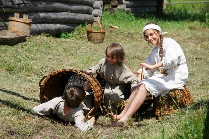 Юные Медведевы на съемках фильма «Василиса»