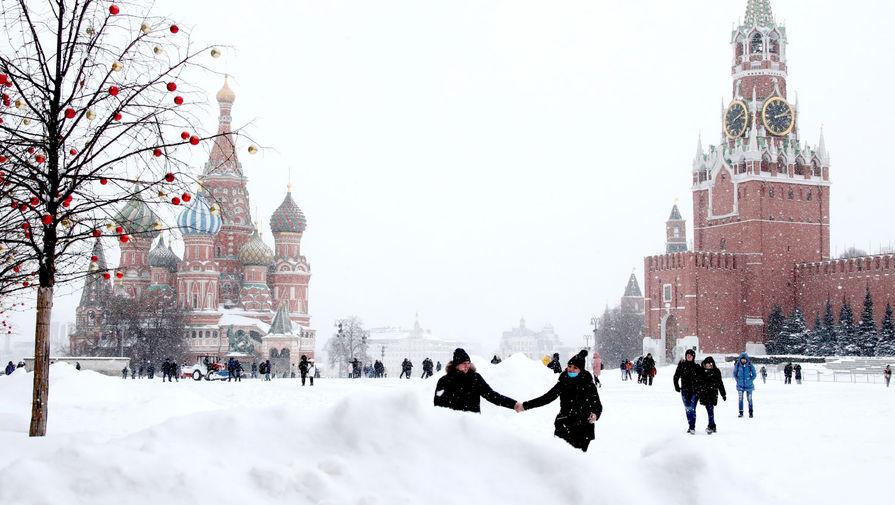 Вид на Красную площадь во время снегопада, 13 февраля 2021 года