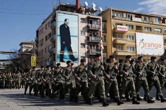 Служащие Сил безопасности Косова во время марша в Приштине в честь восьмой годовщины провозглашения независимости от Сербии, февраль 2016 года